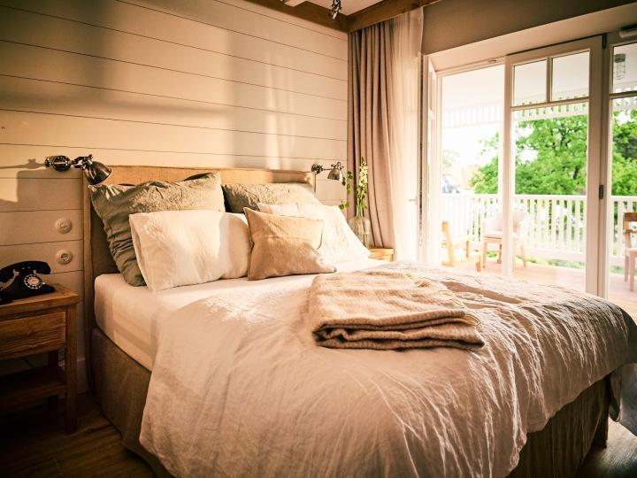barefoot Hotel_Zimmer_Coco Mat Bett aus Frankreich_©barefoot Hotel_Nikolaj Georgiew